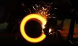 Что произойдет, если одновременно газ и тормоз нажимать - видеоэксперимент